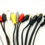 Welche Kabel und Anschlüsse braucht man für eine Stereoanlage?
